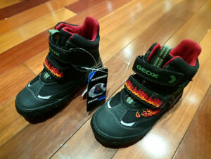GEOX brand new toddler boy booties s. 10.5 youth