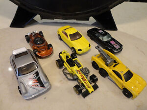 """Vintage Hot Wheels """"The Hot Ones"""" Tire carrying Case w/Some Cars Kitchener / Waterloo Kitchener Area image 1"""