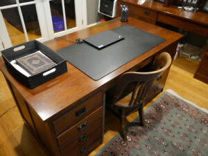 1 Master's Desk (Mission Collection) Solid Cherry (Harvest House