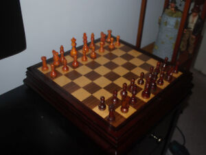 Board Game Table   Buy or Sell Toys & Games in Ontario   Kijiji ...