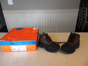 Brand New Boys Size 8 Sonoma Brown Ankle Boots - Never Worn Kitchener / Waterloo Kitchener Area image 2