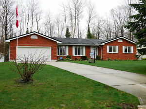 Great New Price!! ~$424,900 Life at the Beach 25 Graham Cres.