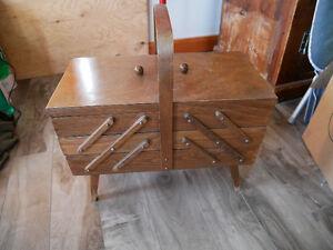 Boîte de couture en bois