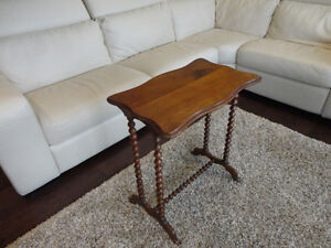 Antique Early 1900's Spool Leg Side Table - Lovely Patina Kitchener / Waterloo Kitchener Area image 1