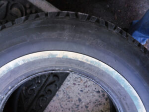 4 studed snow tires in like new condidtion