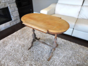 Vintage 1940's Oval Hallway Table in solid decent shape Kitchener / Waterloo Kitchener Area image 1