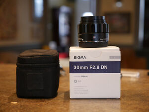 Sigma ART 30mm 2.8 mint condition