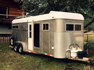 2005 24ft Horse Trailer with Living Quarters