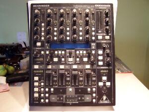 BEHRINGER DIGITAL PRO MIXER DDM4000 5 CHANNEL