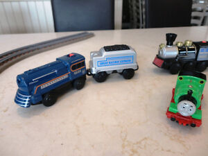 Learning Curve, Lionel, Thomas Engine Cars and Coal Cars & Track Kitchener / Waterloo Kitchener Area image 2
