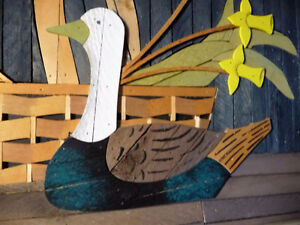 "Wooden Folk Art by Theodore Degroot ""Country Daffodils"" 1970's Stratford Kitchener Area image 6"