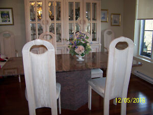 6 CHAISES DE S. A DINER- 6 DINING TABLES