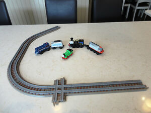 Learning Curve, Lionel, Thomas Engine Cars and Coal Cars & Track Kitchener / Waterloo Kitchener Area image 1