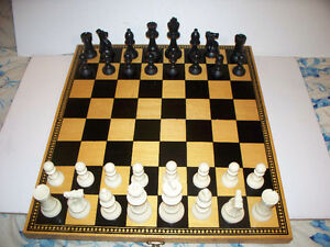 Wood Chess Board/Box 17.5x15.5 with Quality Plastic Pieces