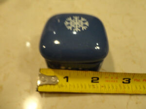 One Small Blue Ceramic Decorative Box with lid from the 80's Kitchener / Waterloo Kitchener Area image 2