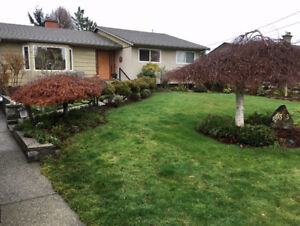 Attn Contractors and Builders - House on duplex zoned lot