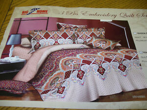 Brand New Bedspread never used  Kiing Size