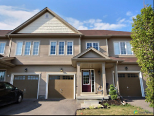 Town house for SALE BINBROOK