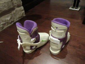 "Reichle RE5 Youth Ski Boots (will fit a foot between 6.75 -7"") Kitchener / Waterloo Kitchener Area image 3"