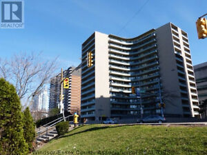 Renovated Bachelor Condo in Le Goyeau 111 Riverside E in Windsor