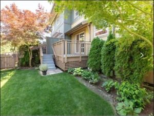 3 BDRM TOWNHOME BEAUTIFUL AND CLEAN - Downtown Squamish