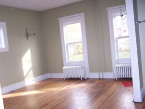 Heated 3 bedroom flat with dishwasher uptown