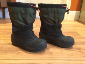 Columbia Youth Winter Boots Size 4