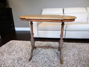 Vintage 1940's Oval Hallway Table in solid decent shape Kitchener / Waterloo Kitchener Area image 2