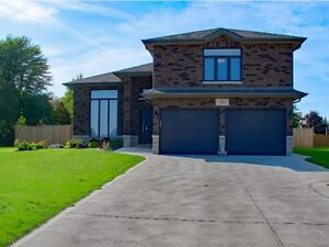 GREAT FAMILY HOME IN ESSEX Windsor Region Ontario image 1