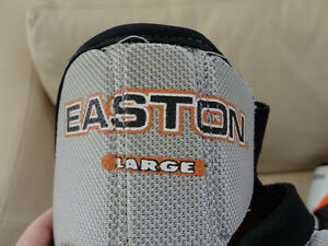 Easton Like New Elbow Pad Guards -Size Large Kitchener / Waterloo Kitchener Area image 3