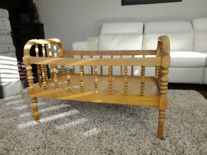 """Antique Solid Wood Bassinet -Crib- Bed on casters 40"""" Long Kitchener / Waterloo Kitchener Area image 1"""