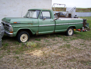 1972 Ford F-100 Custom pickup. Ideal for resto !