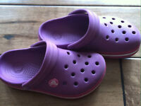 Croc girl shoes size 10/11 - EUC!