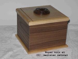 Urnes funéraires en bois