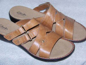 BRAND NEW CLARKS BENDABLES SANDLES SIZE 12W WOMEN