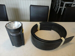 Selling a Flashlight and 11' feet of Edging for your Flower beds Kitchener / Waterloo Kitchener Area image 2