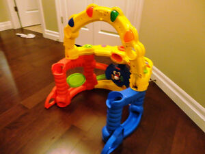 Fisher Price Jolly Jumper Saucer in great Shape Kitchener / Waterloo Kitchener Area image 4
