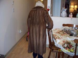Manteau de fourrure  NOUVEAU PRIX