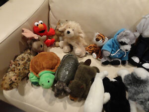 17 Pc. Plush Toy Collection -from a Supmoker Clean Non Sing Home Kitchener / Waterloo Kitchener Area image 2