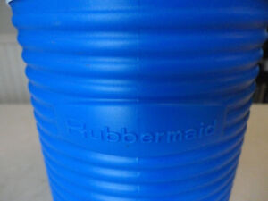 Brand new Rubbermaid Insulated 1/2 gallon Thermos Cooler w/Spout Kitchener / Waterloo Kitchener Area image 2