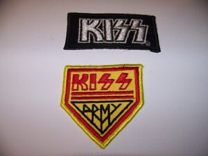 Two Kiss Army Crest
