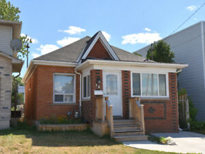 2 Bedroom Detached bungalow house for Lease  in Hamilton ON