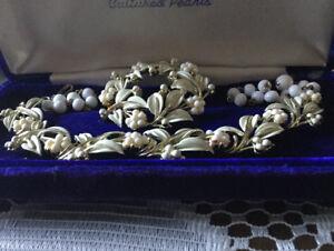 Ancien collier et broche très jolie