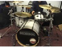 Tama superstar hyperdrive drum kit