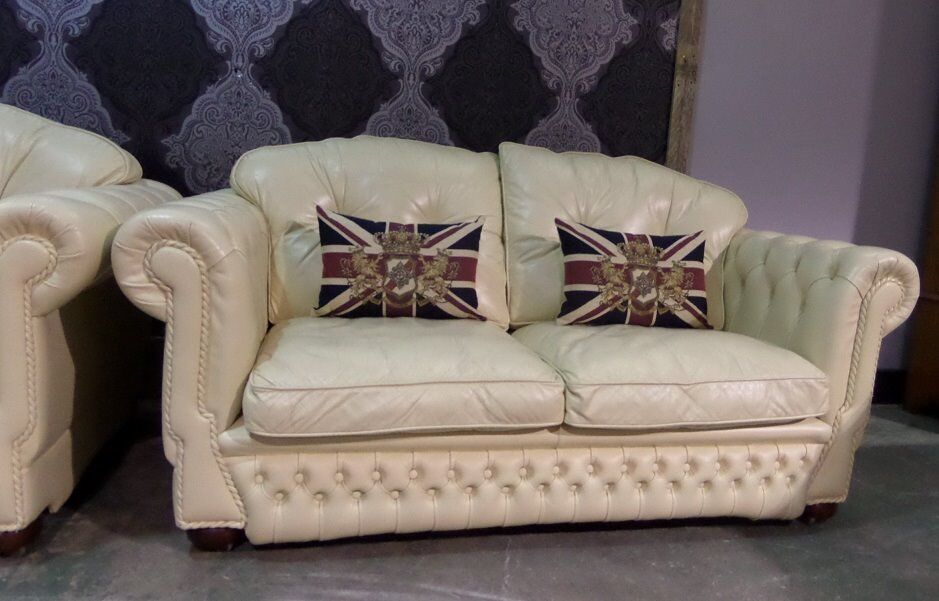 Lovely 3 Seater Chesterfield Sofa Cream Leather Delivery Available