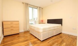 Amazing double in quiet area near Canning Town station!