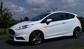 2014 Ford Fiesta Frozen White ST-2 - 10K miles, Perfect condition. Specced with all options.