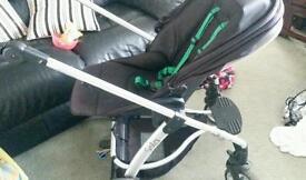 Mamas and papas sola pram carrycot and carseat adaptors