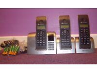 Motorola D213 Trio DECT Phone With Answer Machine