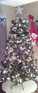 7ft Christmas tree!!!! built in lights/pine cones/berries